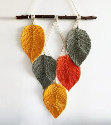Modern Macrame Feather Wall Hanging Pattern by MacramelsLove
