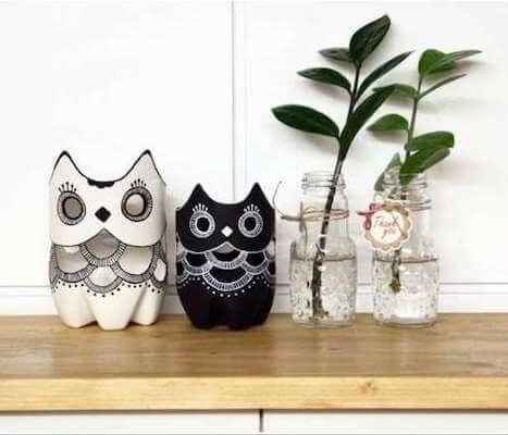 DIY Plastic Bottle Owl Vases by Amazing Interior Design