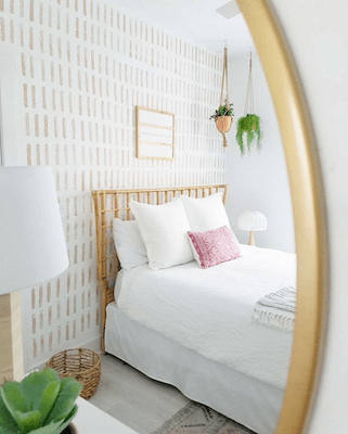 Easy DIY Sponge Accent Wall by Wild Rose Country Home