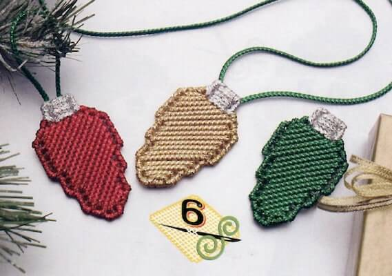 Holiday Lights Garland Plastic Canvas Pattern by Fairy Penguin Crafts