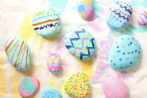 Painted Rock Easter Egg Craft by Happy Hooligans