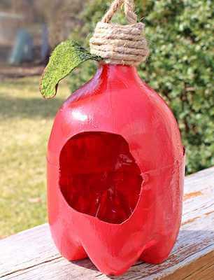 Plastic Bottle Bird Feeder by The Seaman Mom