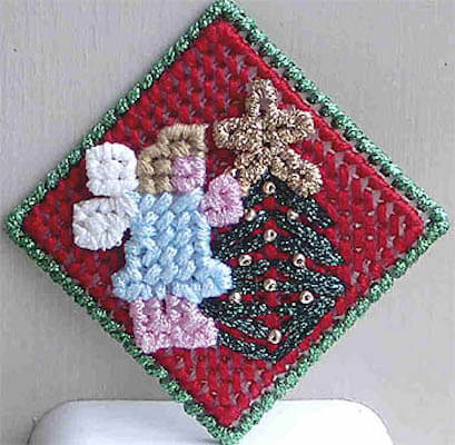 Plastic Canvas Holiday Angel Pin by Fave Crafts